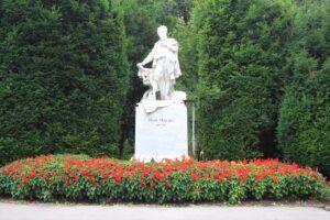 Statua per Hans Makart