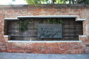 Targa commemorativa per i deportati della seconda guerra mondiale