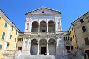 Basilica Cattedrale di San Pietro Apostolo e San Francesco d'Assisi