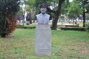 Busto per il Generale Antonio Pires Veloso