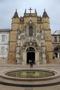 Chiesa di Santa Cruz con Fontana