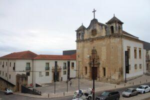 Colpo d'occhio sul Museo Machado de Castro e sulla Chiesa del Salvatore