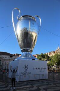 Copia Gigante della Coppa dei Campioni