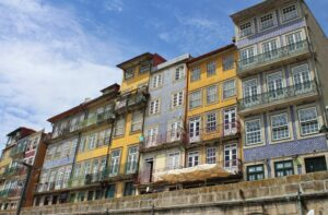 Edifici lungo il fiume Douro
