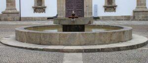 Fontana davanti alla Camara Municipal di Guimaraes