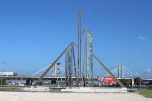 Monumento a Marnoto e Salineira