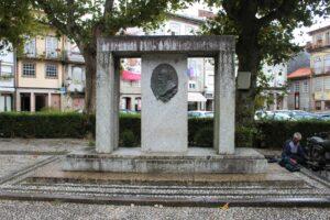 Monumento in memoria dell'incisore Molarinho