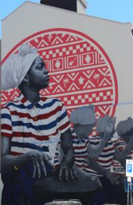 Murales su una parete del Centro Culturale di Capo Verde