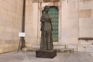 Statua dell'Imperatrice Zita di Borbone Parma
