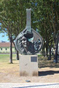 Statua della Chittarra na Proa
