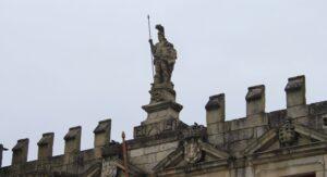 Statua di Guimaraes Duas Caras