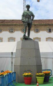 Statua per Josè Francisco Correia