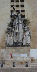 Università di Coimbra - Sculture che adornano gli edifici - 1
