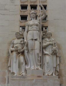 Università di Coimbra - Sculture che adornano gli edifici - 2