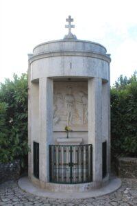 Via Crucis di Fatima - 1° Stazione - La Condanna a Morte