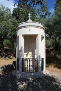 Via Crucis di Fatima - 10° Stazione - Lo spoglio delle vesti