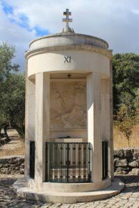 Via Crucis di Fatima - 11° Stazione - Inchiodato alla croce