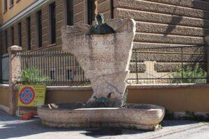 Fontana-Monumento ad Antonio Rosmini