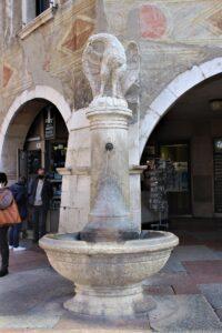 Fontana dell'Aquila