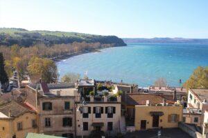 Lago di Bracciano - Vista dai Giardini della Rocca Medievale