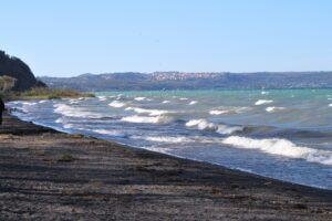 Lungolago di Anguillara Sabazia - la spiaggia