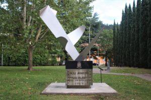 Monumento ai Piloti di Montagna