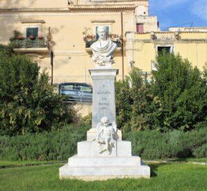 Monumento per Mariannina Coffa