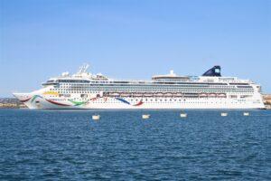 Nave da Crociera attraccata al Porto di Siracusa
