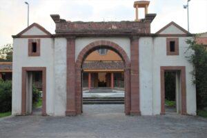 Porta di Piazza del Sacro Cuorre