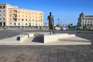 Statua di Archimede - panoramica