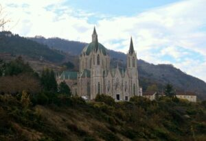 Santuario di Castelpetroso - vista dal bivio per la Cappella delle Apparizioni