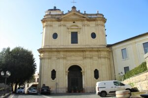 Chiesa di San Pietro Apostolo - vista laterale