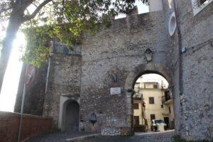 Porta di Sopra (o Porta Capu)