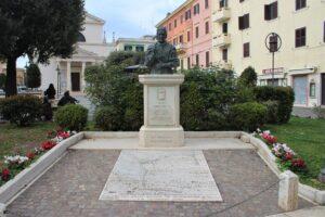 Statua di Papa Innocenzo XII°